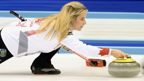 Jennifer Jones grabs share of 1st place at curling worlds