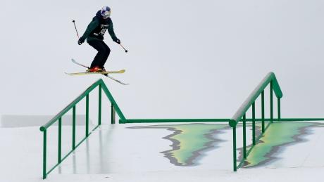 World Cup freestyle skiing: Ski cross, slopestyle & moguls