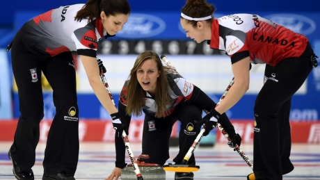 Rachel Homan beats Switzerland to go 5-0 at women's curling worlds