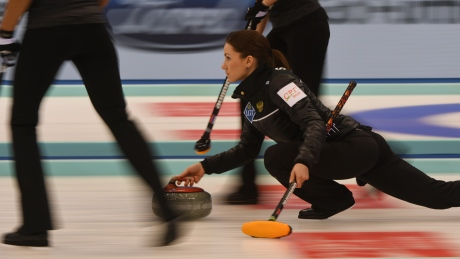Rachel Homan to face Russia in final of curling worlds