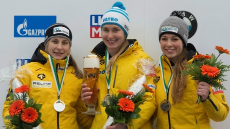 Jacqueline Loelling leads German sweep at skeleton World Cup