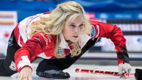 Late-end heroics keep Canada perfect at women's curling worlds