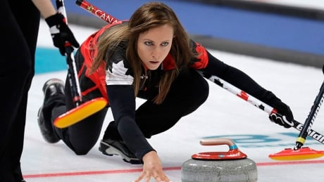 Homan slips into Masters semifinal with rout of Robertson