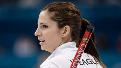 Canadian women's curlers seek equal payout at national events